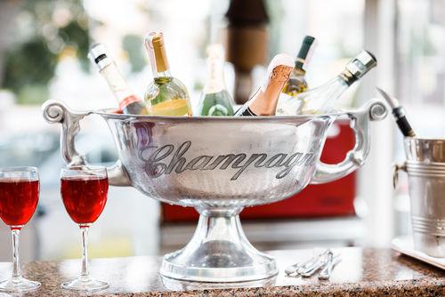 ワインクーラーを使ってワインをおいしく飲もう