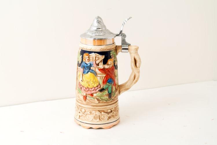 かつてビールは蓋付きのビアマグで飲まれていた!? クラシカルな「ドイツ製ビアマグ」