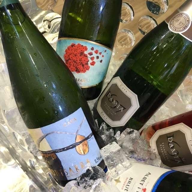 そのほかにも首都圏の各地で世界のスパークリングワインの飲み比べや日本の旬の食材とのペアリングを実施。参加店舗やイベント情報については公式Webサイトに随時アップされているので、泡モノで盛り上がりたいあなたは、ぜひチェックしてみてください!