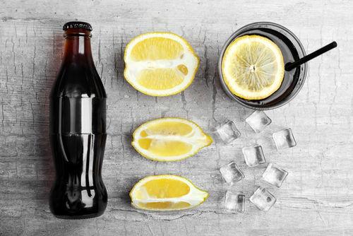 焼酎とコーラの「焼酎コークハイ」をはじめ、さまざまなカクテルに使われるコーラ