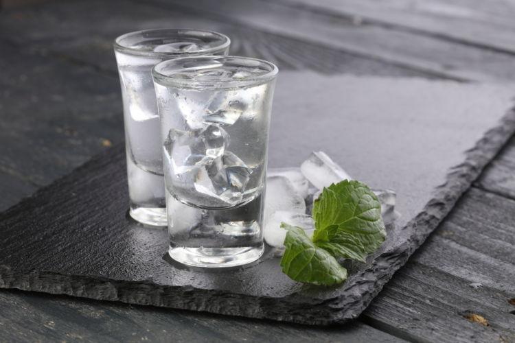 【ウォッカ編】スピリッツの飲み方を紹介《シニアソムリエ監修》
