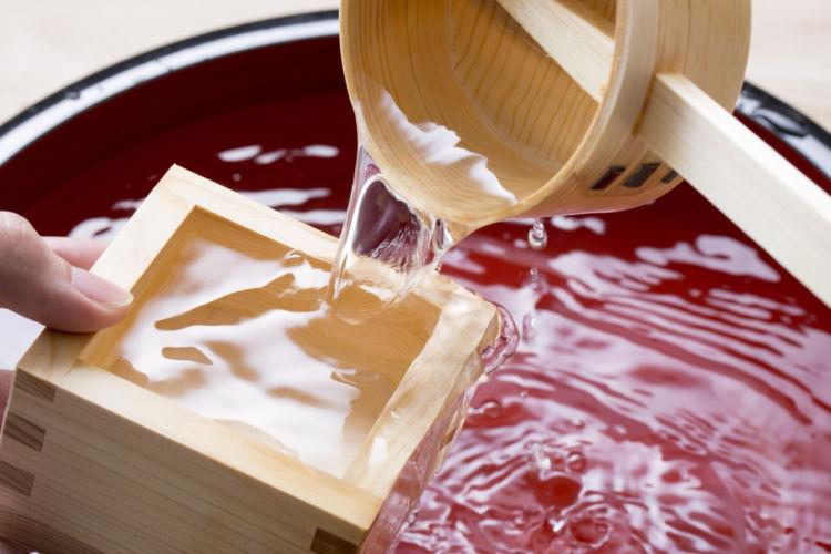 【升酒(ますざけ)の飲み方】日本酒通なら知っておきたい升酒の魅力!