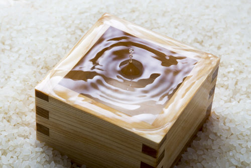 升酒は塩と合わせて嗜むのが日本酒通