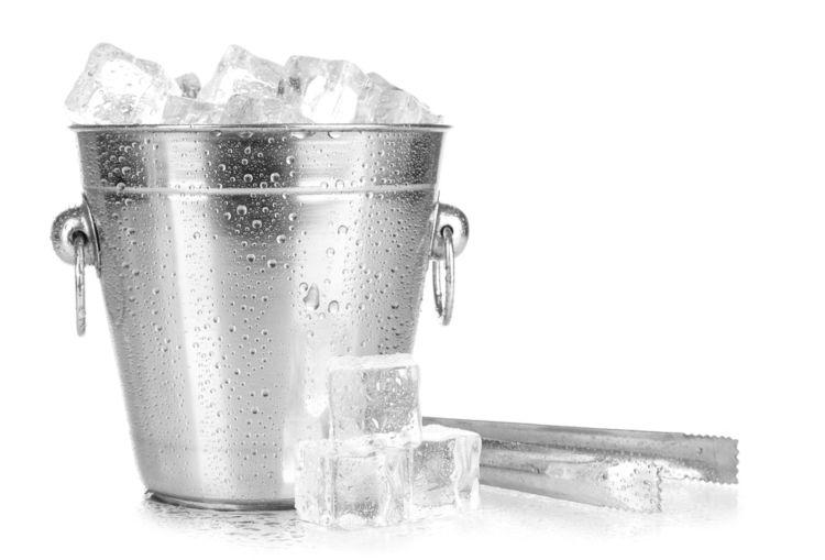 カクテル作りに欠かせない氷選びのコツ