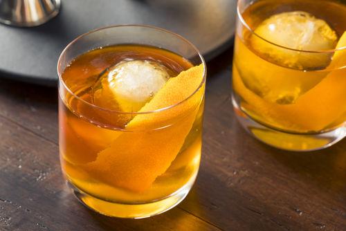 ウイスキー好きが丸氷をよろこぶ理由