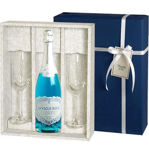幸せを呼ぶおまじない「サムシング・ブルー」を美しいブルーのボトルにのせて
