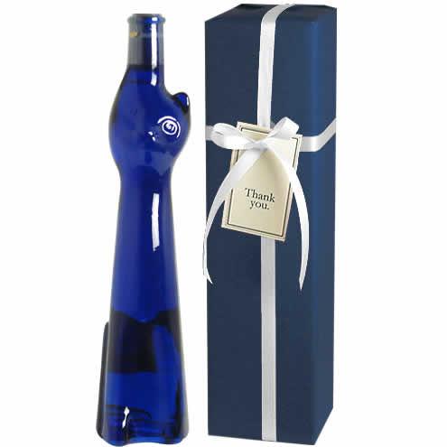 エレガントな口当たりのドイツワインを、幸せを運ぶ青猫ボトルで