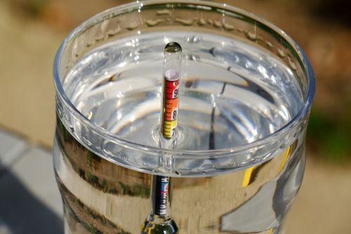 焼酎が消毒薬とされるのはアルコール度数の高さゆえ
