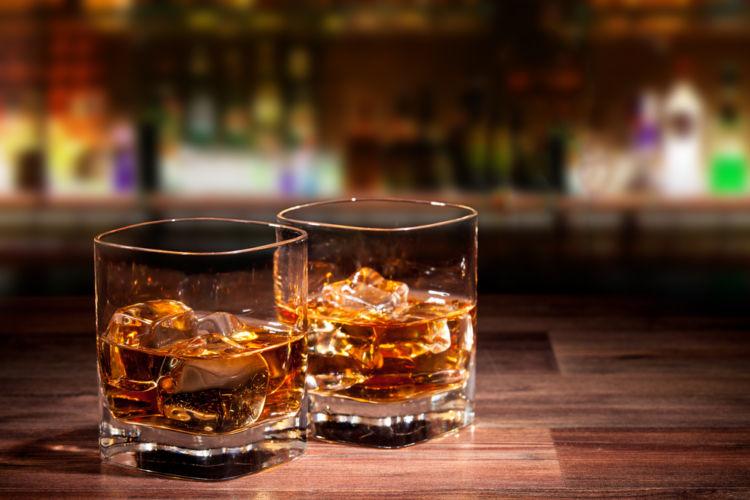 「クレイモア」は手頃な価格でスコッチの妙味がたのしめるウイスキー