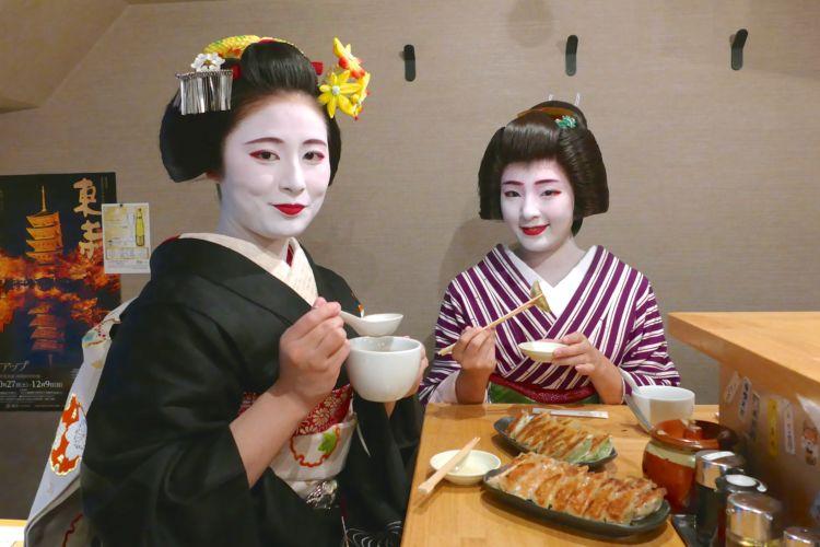 京都・祇園で行列ができる「ぎょうざ歩兵」の姉妹店が銀座にOPEN!