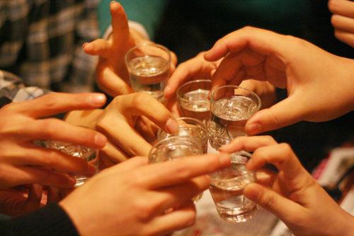 日本酒で乾杯条例が全国に波及