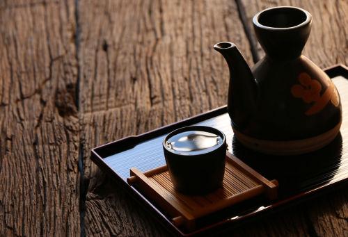 日本酒のぬる燗の温度は何度? 相性のよい種類は?