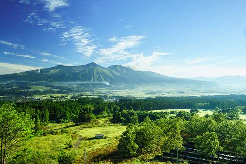 熊本の酒造りを支える水の恵みと、県独自の米や酵母